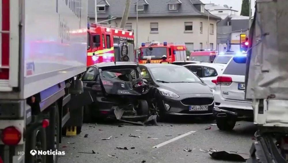 Alemania no descarta que el ataque de un camión arrollando varios coches sea un acto terrorista