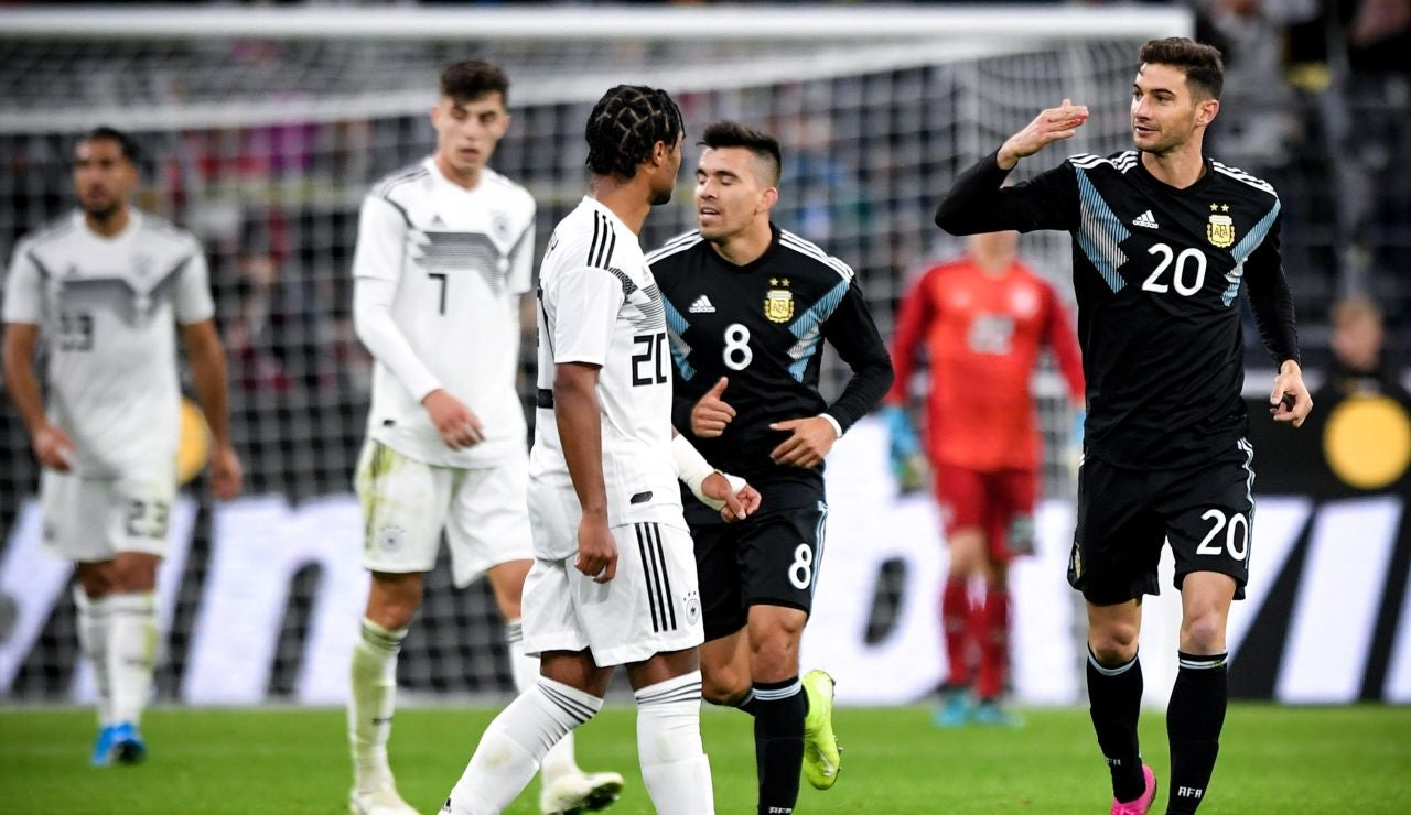 Lucas Alario celebra su gol ante Alemania