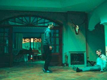 Hugo encuentra el cadáver de Philip Norman