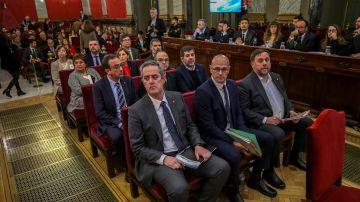 Los líderes independentistas sentados en el banquillo del Tribunal Supremo en el juicio del 'procés'