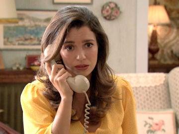 Amelia se entristece al recibir una llamada de París