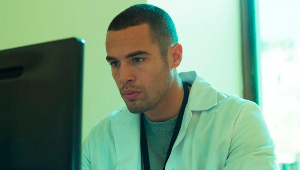 Intento de suicidio y síntomas de violación, Hugo accede al expediente médico de Andrea Norman
