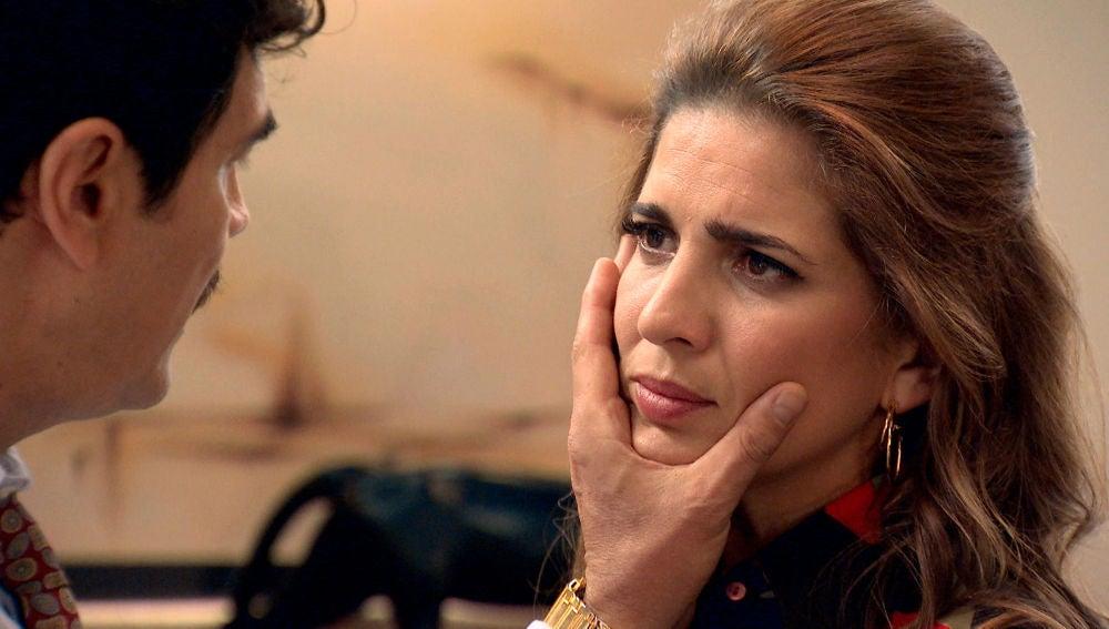 Armando destroza y humilla a Irene
