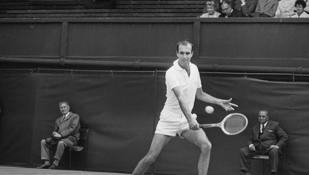 """El mundo del tenis lamenta la muerte de Andrés Gimeno: """"Uno de los pioneros del tenis en España y un gran deportista"""""""