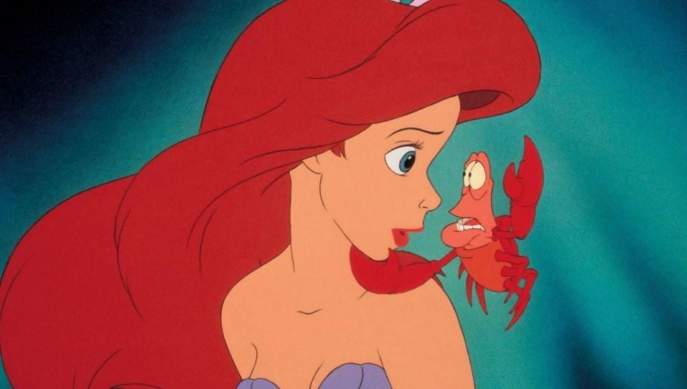 'La Sirenita' y el cangrejo Sebastian