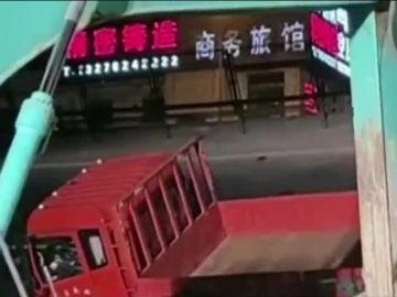 El camión que pudo provocar el derrumbe en China