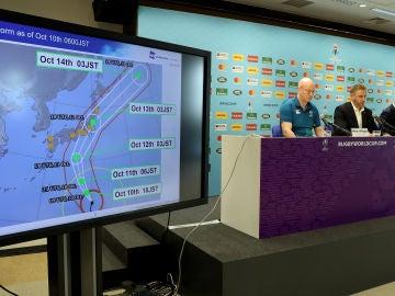La dirección del Mundial de Rugby ofrece una rueda de prensa en Tokyo
