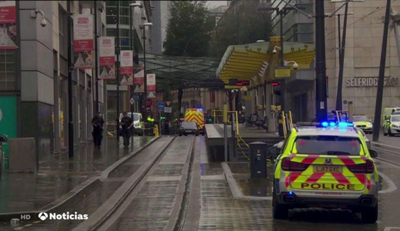 Varios apuñalados cerca de un centro comercial en Manchester