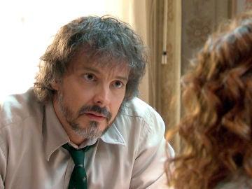 Guillermo le confiesa a Julia el porqué se la tiene jurada a su marido
