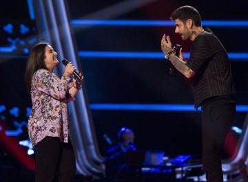Melendi y una talent crean magia 'con solo una sonrisa' ante de la dulce mirada de todos en 'La Voz Kids'