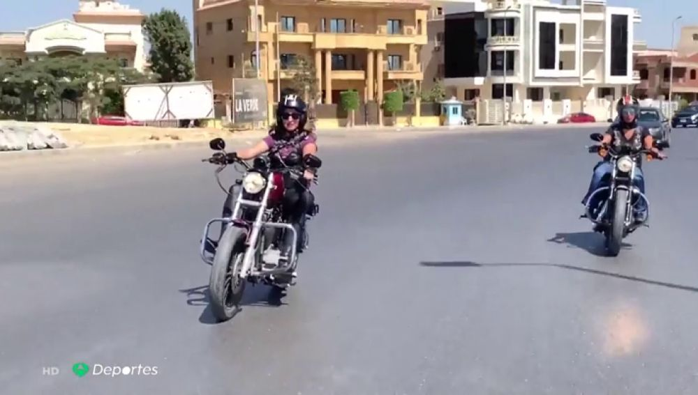 Mujeres en Egipto luchan contra el machismo subidas a sus Harleys