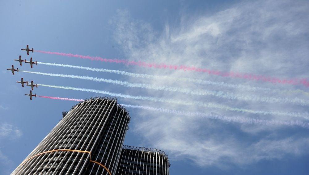 La Patrulla Águila sobre el cielo de Madrid