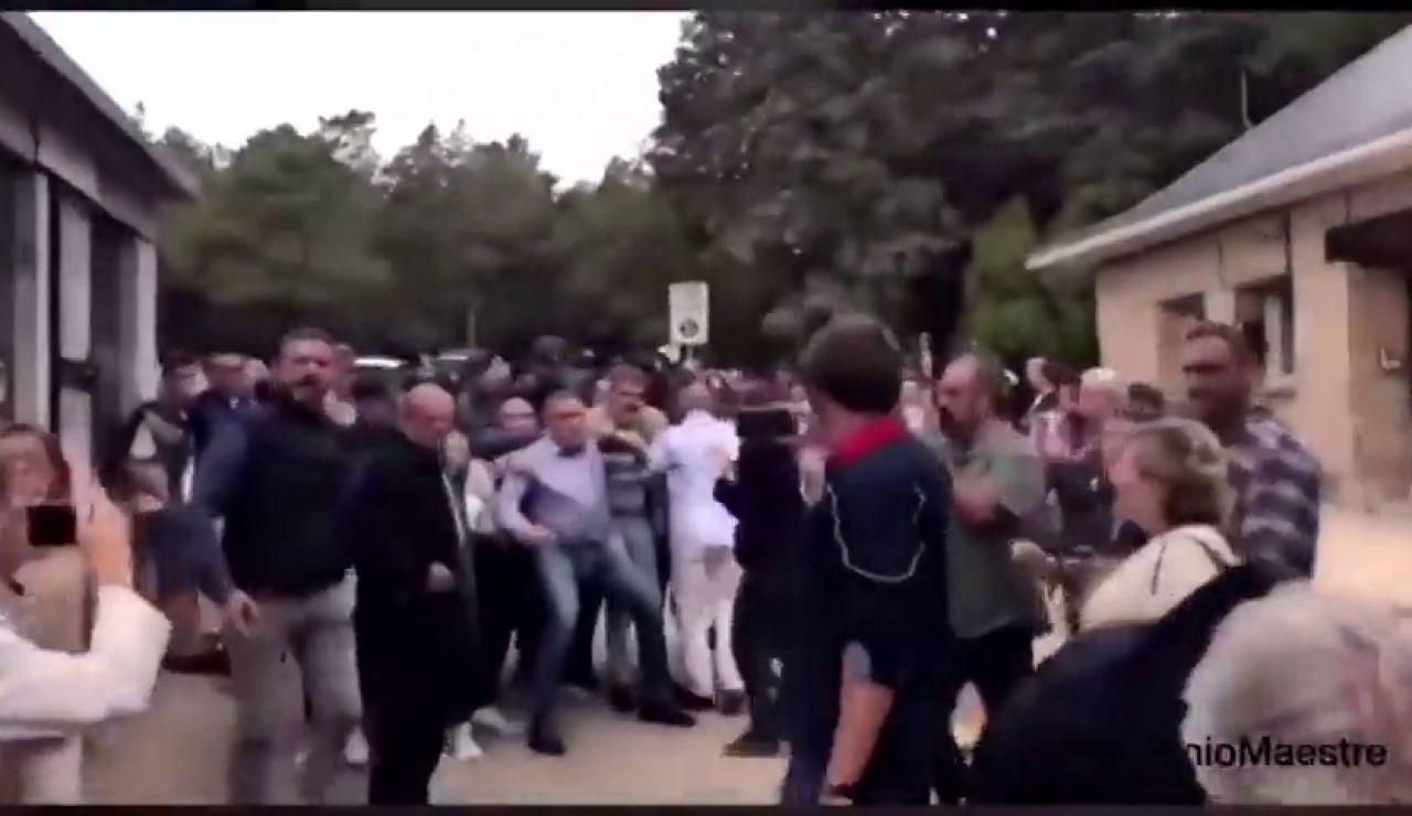 Incidentes en las puertas del Valle de los Caídos por un grupo de personas que quería entrar a rezar