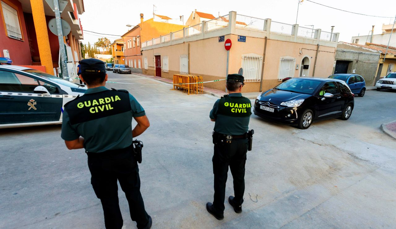 La Guardia Civil hallan los cadáveres de un matrimonio en su casa de Murcia