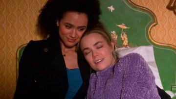 Maya y Ainsley en 'Cuatro bodas y un funeral'