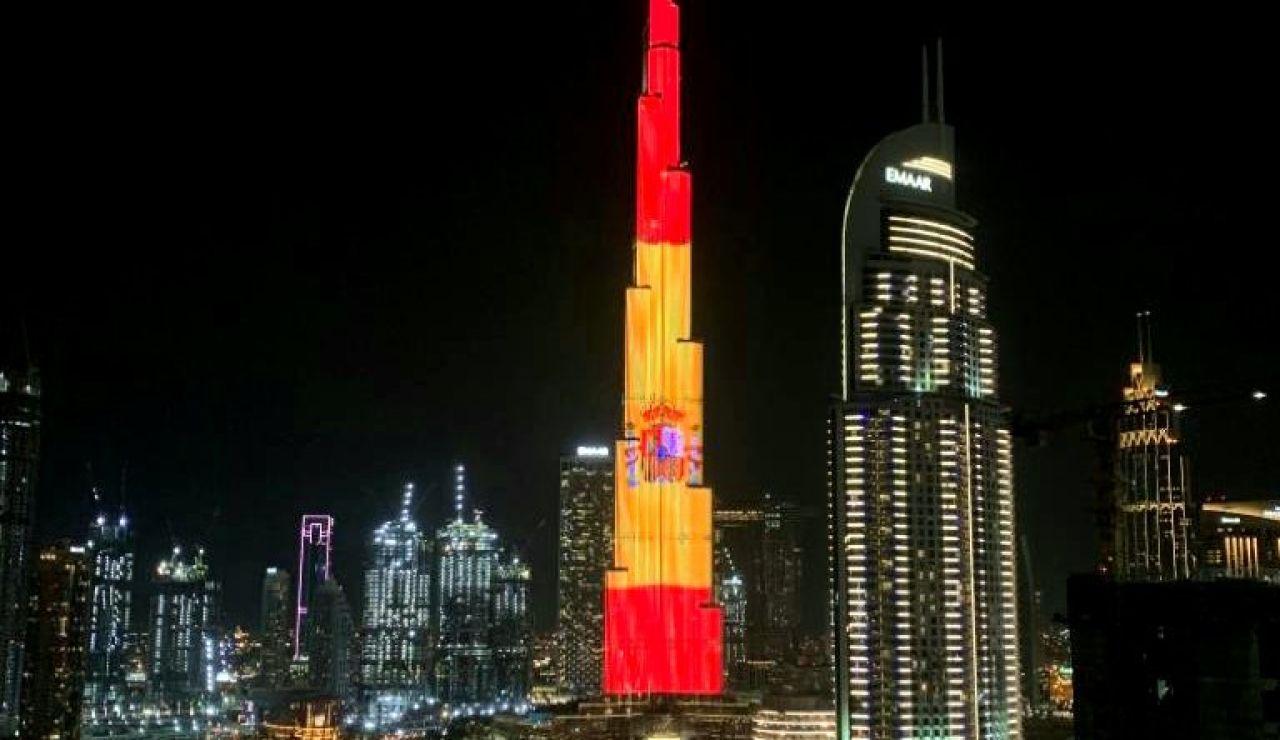 Bandera de España en el Burj Khalifa de Dubai