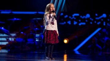 Itziar Guillén canta 'Madrecita' en las Audiciones a ciegas de 'La Voz Kids'