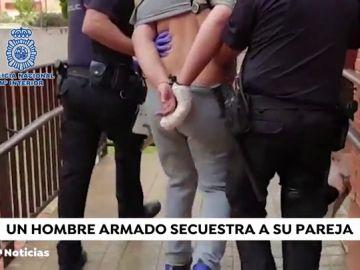 REEMPLAZO Liberada la mujer que estaba retenida por su pareja en un piso de Leganés