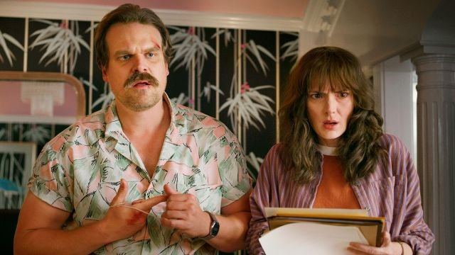 David Harbour y Winona Ryder son Hopper y Joyce en 'Stranger Things'