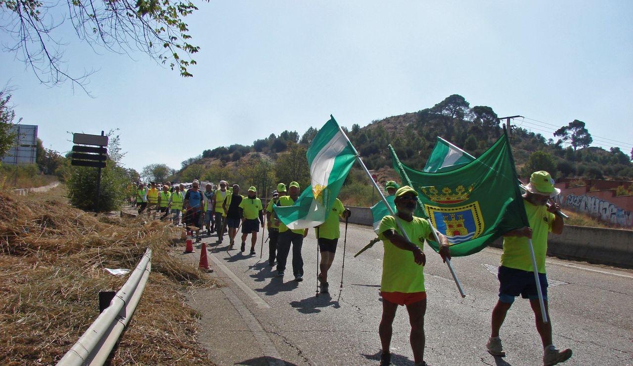 Medio centenar de pensionistas de la columna sur de las Marchas por las Pensiones Dignas