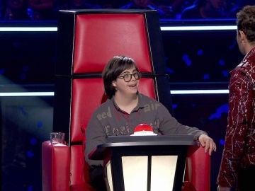 David Bisbal convierte en coach a un fan de 'La Voz Kids'