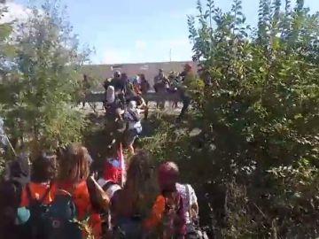 Unos 500 CDR cortan la autopista AP-7 a la altura de Sant Gregori (Girona)