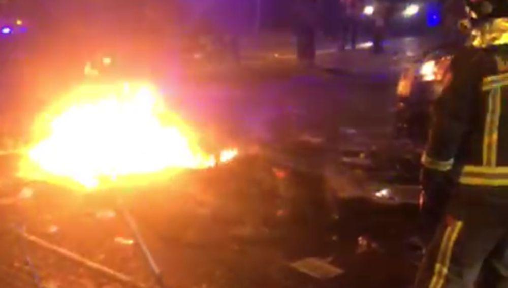 Tensión entre Policía y manifestantes a las puertas de la delegación del Gobierno