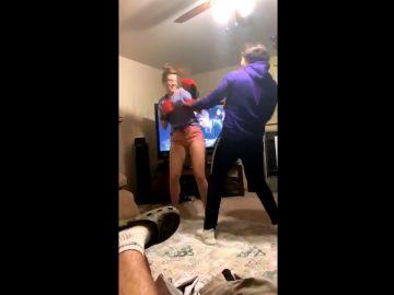 Pareja en pleno combate de boxeo que se ha hecho viral