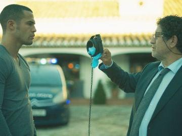 Hugo Beltrán y el inspector Zapata