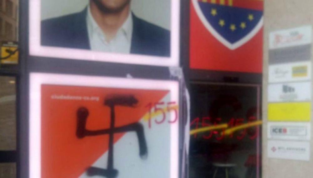 Pintadas en las sedes de Ciudadanos, PSC y PP