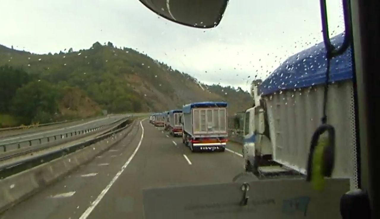 Los transportistas advierten al Gobierno que harán huelga nacional si se implantan los peajes