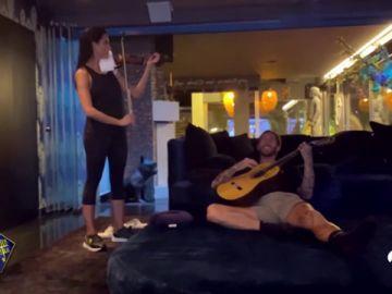 Los divertidos ensayos de violín de Pilar Rubio con Sergio Ramos a la guitarra