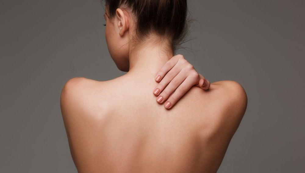 Mujer de espaldas