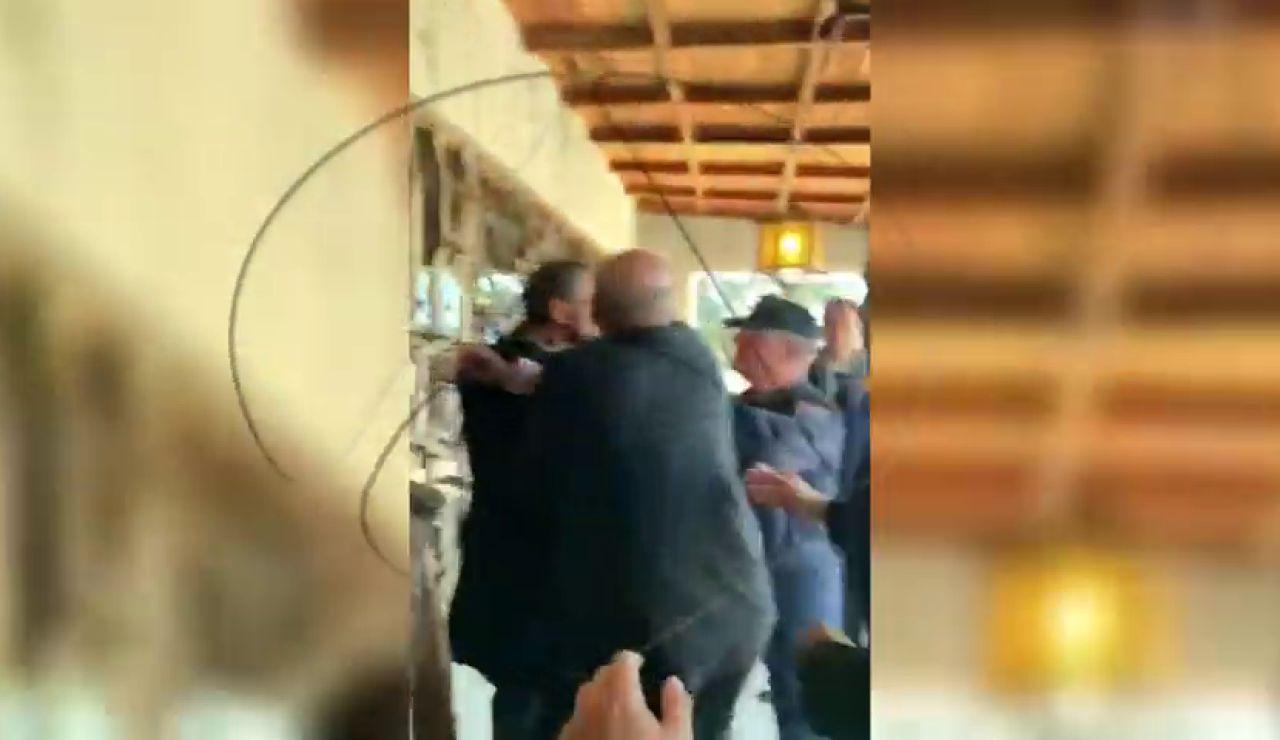 Tensión entre la familia Franco y la policía a la salida de Mingorrubio
