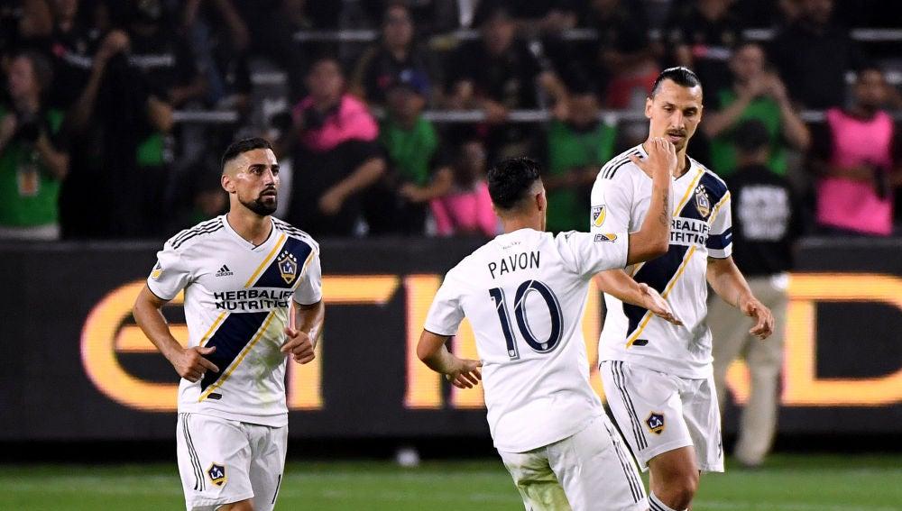 Ibrahimovic celebra un gol con los Angeles Galaxy