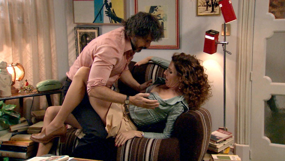 Julia revive la noche de pasión con Guillermo