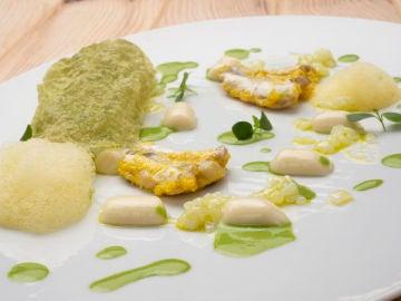 La receta de Martín Berasategui de kokotxas rebozadas con botones de merluza y calamar