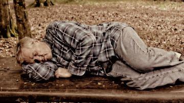 Hombre dormido (archivo)
