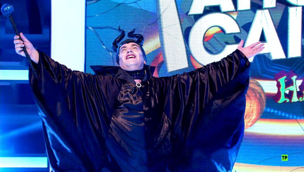 Arturo Valls se convierte en Maléfico para festejar Halloween en '¡Ahora caigo!'