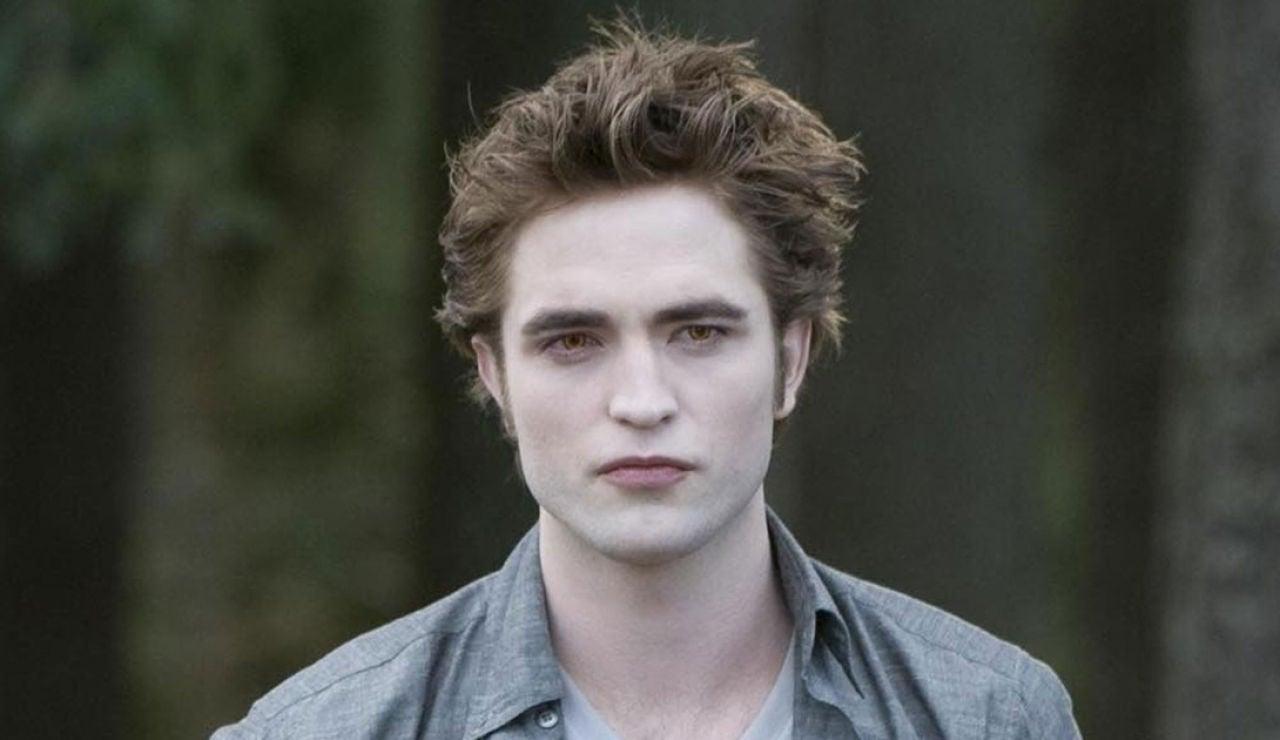 Robert Pattinson como Edward Cullen en 'Crepúsculo'