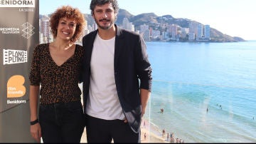 Antonio Pagudo y María Almudévez protagonizan 'Benidorm' super 1