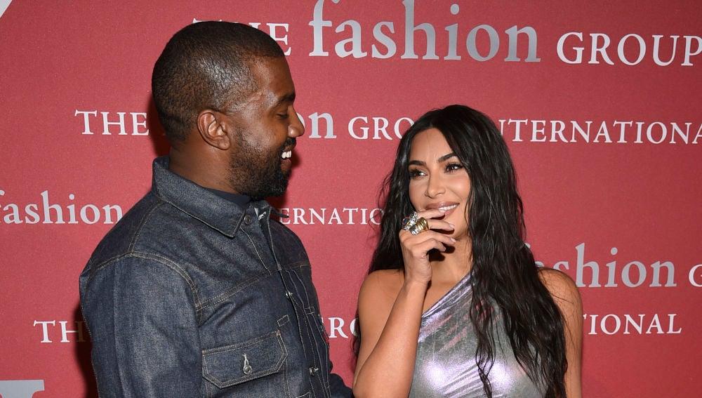 Las risas cómplices de Kim Kardashian y Kanye West