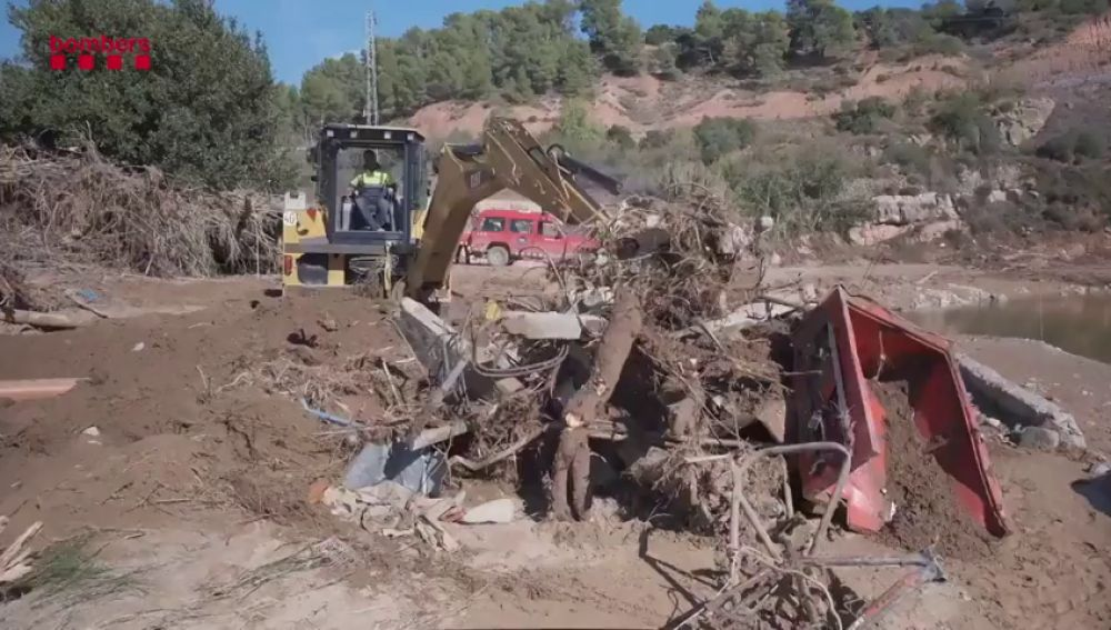Más de 200 personas buscan a los desaparecidos por el temporal en Cataluña