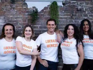 """Ciudadanos responde a Sánchez por llarmales """"Liberales ibéricos"""": """"Tú no sabes distinguir el jamón de la mortadela"""""""