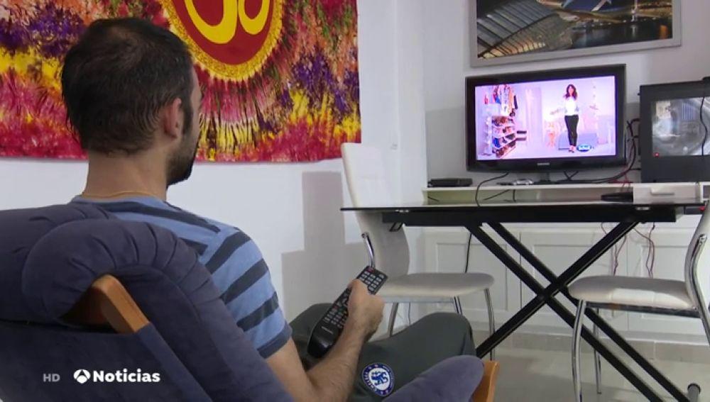 TV de pago, electricidad y banda ancha fija, los servicios peor valorados por los españoles