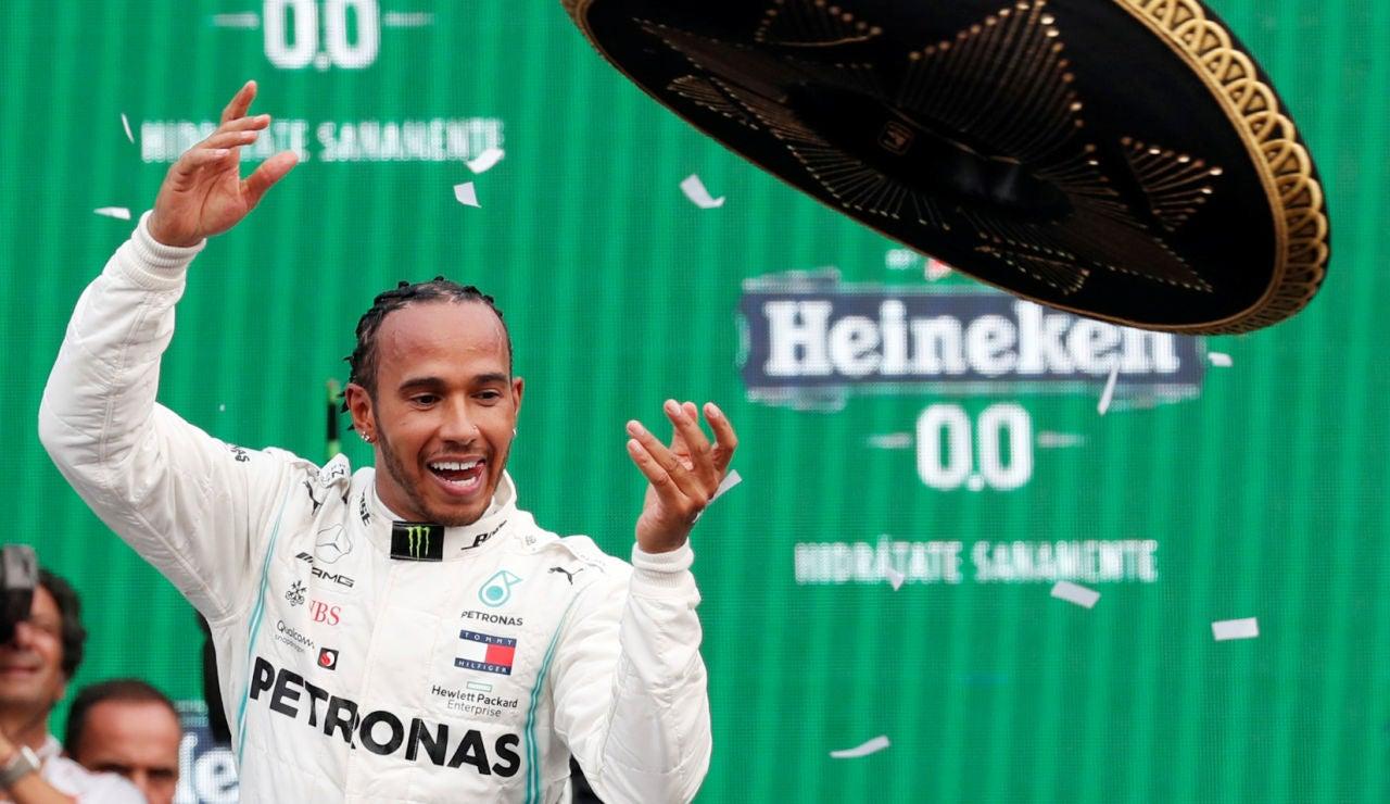 Lewis Hamilton celebra su victoria en el GP de México