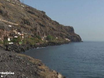 Tres años desalojados de sus casas en Candelaria, Tenerife, por riesgo de derrumbe