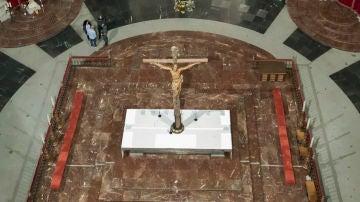 Así ha quedado el interior de la Basílica del Valle de los Caídos donde descansaban los restos del dictador.