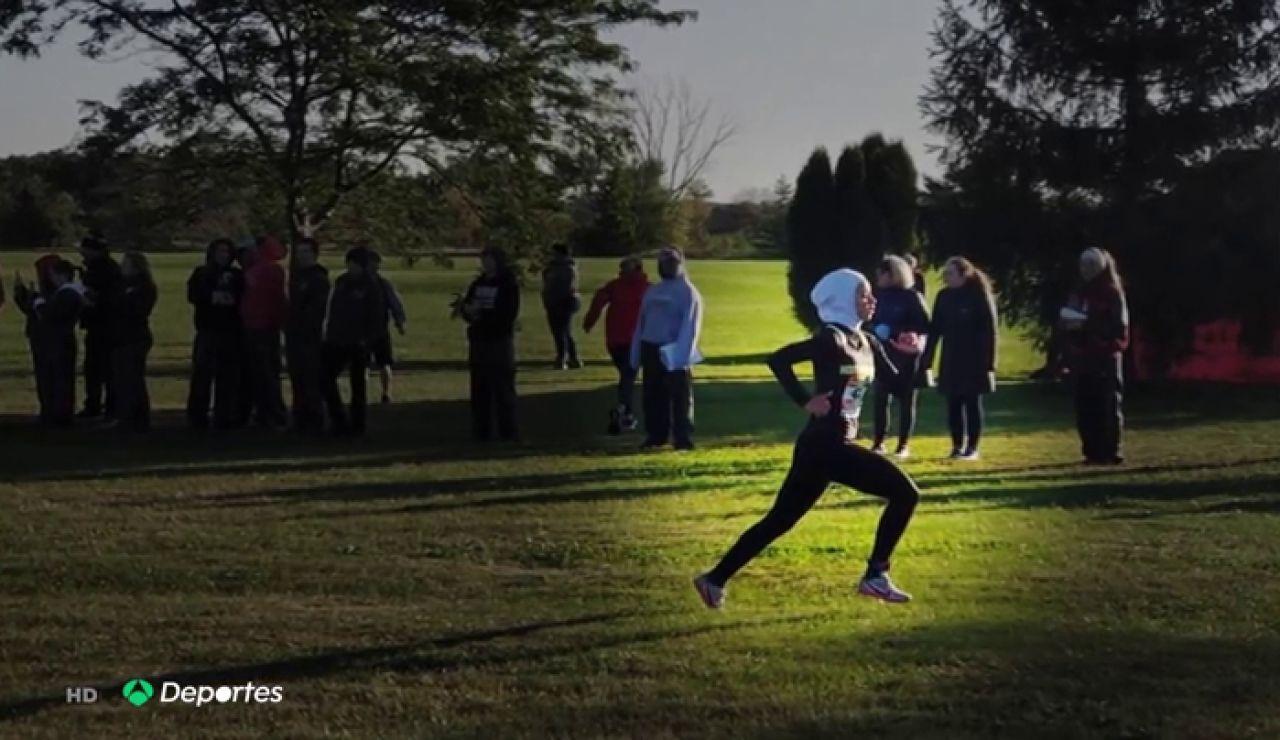 Descalifican a la atleta Noor Abukaram de una carrera de cross en EEUU por llevar hijab