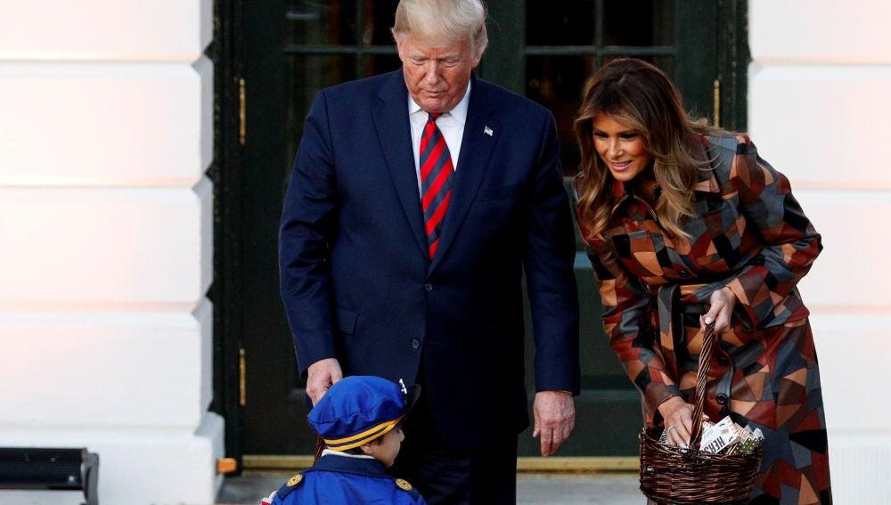 Trump acoge a decenas de niños para la celebración de Halloween